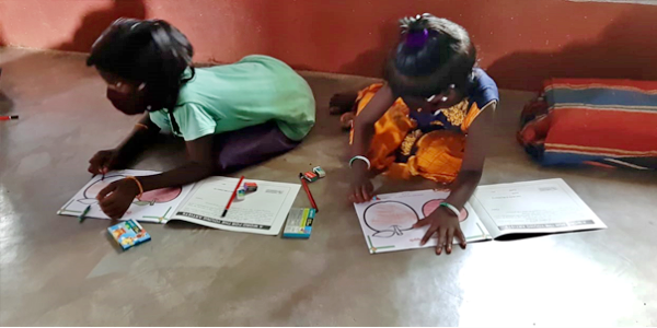 Indian children who study hard in difficult circumstances